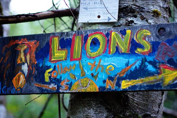 The Lions Painted Sign